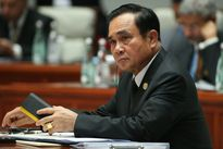 Thaksin đứng đầu bầu chọn tín nhiệm, Thủ tướng Prayut tức giận