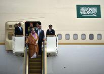Thú 'đốt tiền' trong những chuyến đi của hoàng gia Ả Rập