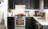 Bếp nhà tôi bẩn và bừa bộn vì chồng tin thầy phong thủy