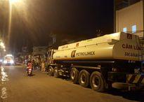 Đột kích 3 điểm rút ruột xăng dầu gần Tổng kho Nhà Bè