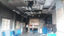 Đốt phòng giao dịch Eximbank tự tử: Tiền có cháy không?