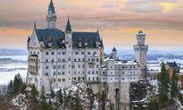 10 lâu đài cổ xa hoa và huyền ảo nhất trên thế giới