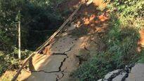 Yên Bái: Thông xe đường độc đạo lên huyện Trạm Tấu bị sạt lở