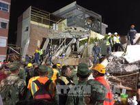 Mexico: Trắng đêm tìm kiếm nạn nhân bị động đất vùi lấp