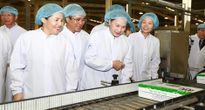 Chủ tịch Quốc hội thăm nhà máy Vinamilk tại Bình Dương