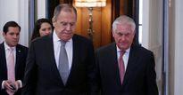 Lavrov nhắc Tillerson: Mỹ là 'khách không mời' ở Syria