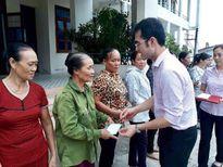 Hỗ trợ người dân Hà Tĩnh, Quảng Bình thiệt hại do bão