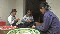 Phận đời bất hạnh của người phụ nữ nghèo một mình nuôi ba đứa con nhỏ