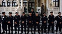 Thái Lan: 3 cảnh sát bị nghi tiếp tay cho bà Yingluck bỏ trốn