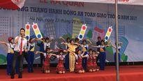 Hà Nội: Hơn 1000 học sinh, sinh viên tham gia diễu hành hưởng ứng tháng an toàn giao thông