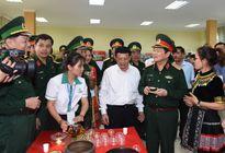 Bộ trưởng Ngô Xuân Lịch dự Lễ khánh thành Trung tâm văn hóa, du lịch và giới thiệu sản phẩm Ma Lù Thàng