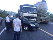 Tai nạn liên hoàn trên đường dẫn hầm Hải Vân