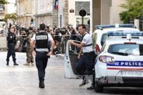 Pháp sơ tán 200 người khi phát hiện 5 bình ga trên ô tô