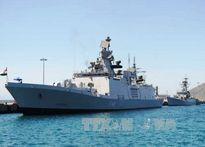 Chiến hạm Ấn Độ, Hàn Quốc thăm Việt Nam