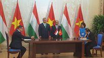 Hungary ký thỏa thuận với Việt Nam về phát triển CNTT