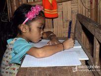 Ước mơ con chữ của cô bé nghèo mắc bệnh huyết tán