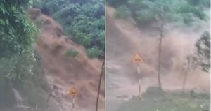 Clip lũ quét tuôn xối xả như thác, chắn ngang đường ở Hà Giang