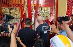 'Tiên lễ hậu binh', chả nhẽ cả Flores lẫn Nam Huỳnh Đạo đều quên hết sao?