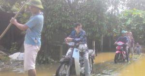 Yên Bái: Nước sông vượt báo động 3, nhà dân ngập sâu 1 mét