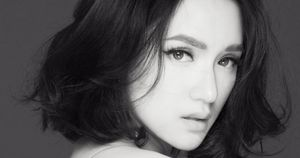 Sau scandal 'vạ miệng', Hương Giang Idol mở lại facebook cá nhân