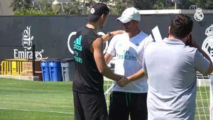Morata xúc động chia tay Zidane và đồng đội tại Real Madrid