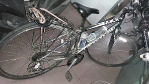 Ly kỳ một ngày công an truy tìm chiếc xe đạp xuyên Việt của cô gái Tây
