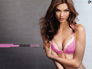 Vẻ đẹp xuất sắc của một trong những siêu mẫu trẻ nhất Victoria's Secret