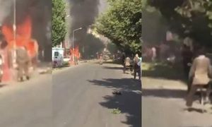 Video đánh bom xe kinh hoàng tại Kabul, 35 người chết