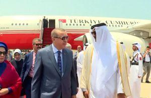Tổng thống Thổ Nhĩ Kỳ Recep Tayyip Erdogan tới Qatar