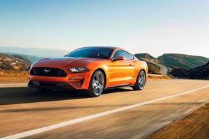 Ford Mustang GT 2018 nhanh hơn Porsche 911 Carrera