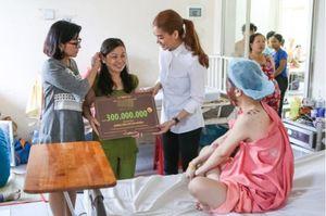 Trương Ngọc Ánh lên tiếng khi mẹ nữ sinh bị tạt axit nói chưa nhận được 300 triệu đồng như đã hứa
