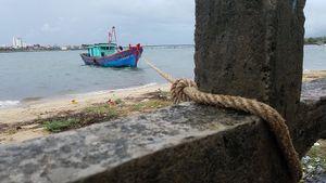 Bão số 4: Hà Tĩnh, Quảng Bình cấm biển