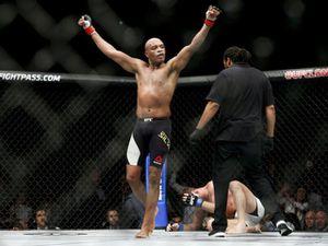 Võ sỹ thực chiến MMA đáng sợ nhất: Cú thúc chỏ 'chết chóc' & 34 bại tướng