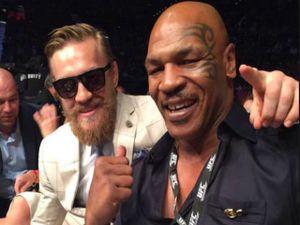 Bị dọa giết bởi Mayweather, McGregor xưng là 'cha đẻ' Mike Tyson