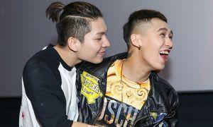 Đi cùng Khởi My, Kelvin Khánh vẫn công khai 'cưỡng hôn' Tronie