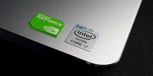 """Tại sao Macbook không có nhãn dán """"Intel Inside""""?"""
