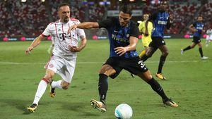 Bayern Munich thua 'sấp mặt' Inter Milan 0-2
