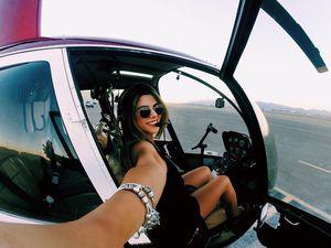 9X được dân mạng gọi là 'nữ phi công nóng bỏng nhất thế giới'