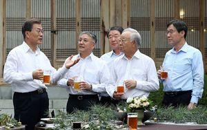 Tổng thống Hàn Quốc 'nhậu' với các tài phiệt 'Xứ Kim Chi'