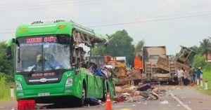 Nhân chứng bàng hoàng kể vụ tai nạn thảm khốc 11 người thương vong