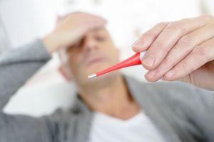 Ông bố của nhà có 3 người bị sốt xuất huyết chia sẻ kinh nghiệm phòng chống dịch
