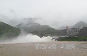 Mở 1 cửa xả đáy tại Thủy điện Sơn La, Tuyên Quang và Hòa Bình