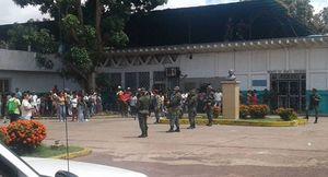 Bạo loạn đẫm máu trong nhà tù Venezuela, 37 người chết