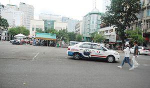 Bãi giữ xe sau Nhà hát TP 'trống vắng' khi ông Đoàn Ngọc Hải chỉ đạo