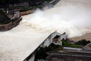 Ba hồ thủy điện lớn ở miền Bắc đồng loạt xả lũ
