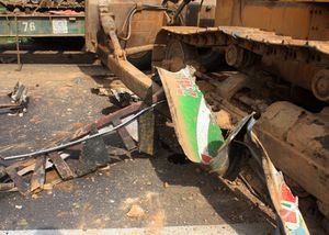 Vụ tai nạn 5 người chết: Thủ phạm là máy ủi cồng kềnh