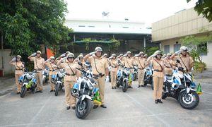 Nhan sắc 'bóng hồng' CSGT làm nhiệm vụ ở APEC