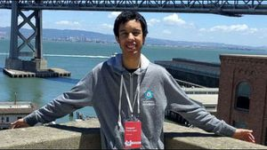 Nam sinh kiếm hàng nghìn USD nhờ phát hiện lỗi bảo mật của Google