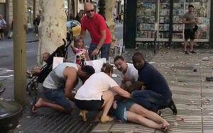 Hỗn loạn sau vụ tấn công khủng bố ở Barcelona