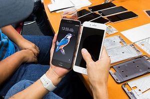 Quá trình thiết kế BPhone: bị Qualcomm chê, 4 năm mạch không chạy cho đến Bphone 2017